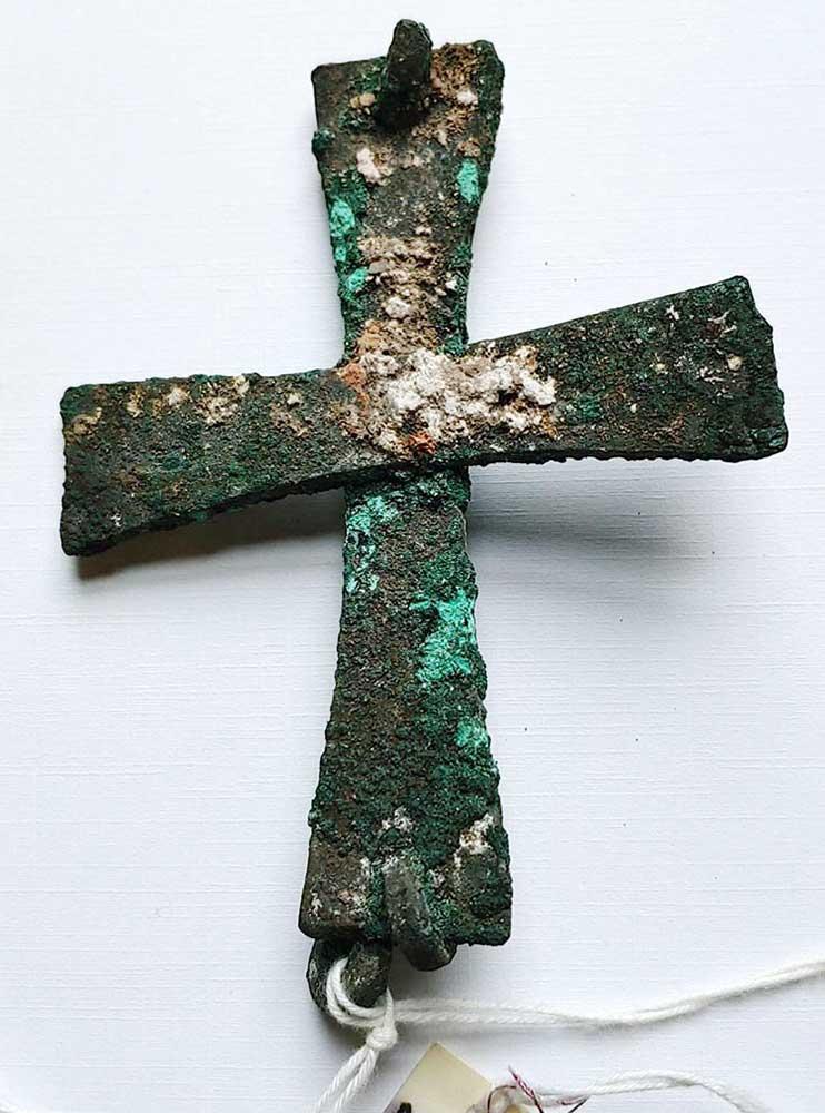 Large Crusaders Cross